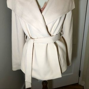 Cream wide shawl collar double breasted tie jacket